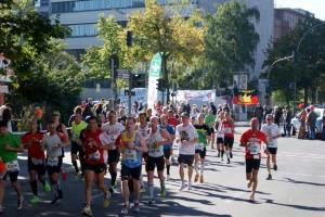 Das Marathon-Hauptfeld in der Konstanzer Straße
