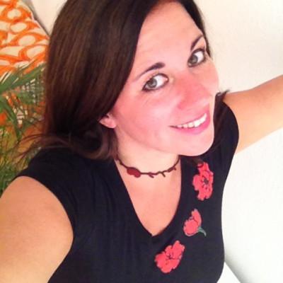 Annette Baukes-Neichel ist Familienexpertin: Mit Mütter- und Vätercoaching, Elterncoaching, Erziehungsberatung, Familien-Mediation steht sie Familien zur Stärkung, Beratung und Begleitung zur Seite. Als MütterCoach schließt die Versorgungslücke zw. Frauenärzten, Hebammen, Beratungsstellen & Psychologen.