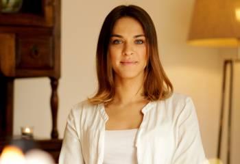 Tanita Romina hält einen Vortrag über Charisma