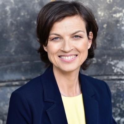 Mona Klare - Führungskräfte-Entwicklung für Unternehmen, GründerInnen, KünstlerInnen, Krisen-Management