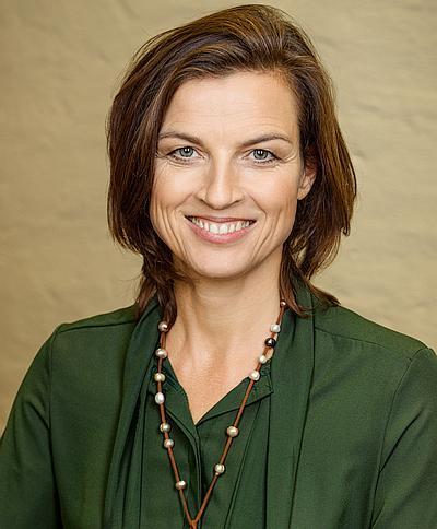 Coach für Führungskräfteentwicklung Mona Klare