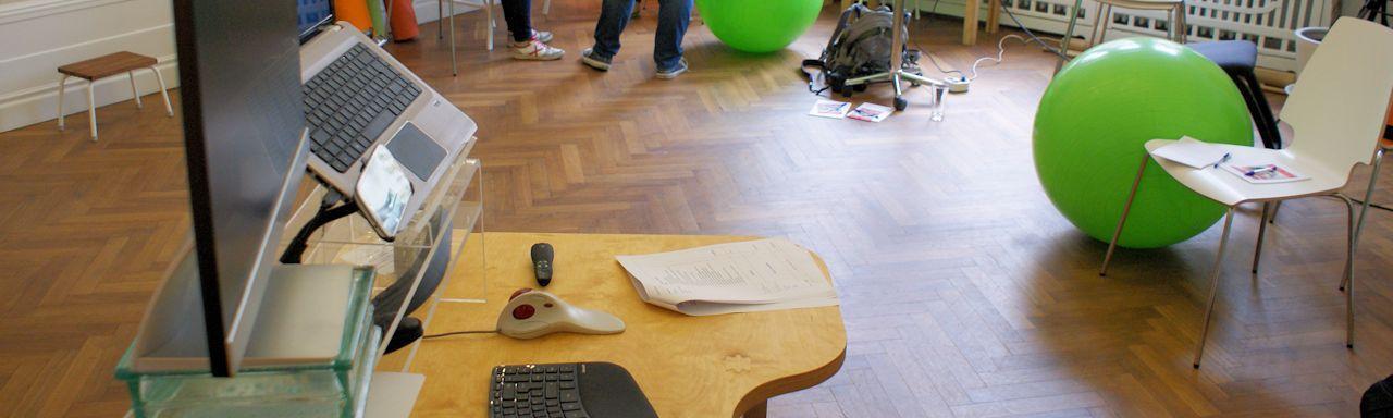 So kann Schreibtischarbeit auch aussehen