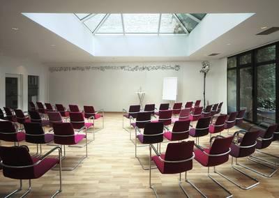 Workshopfläche Pavillon mit Vortragsbestuhlung
