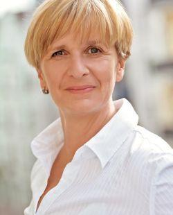 Gestaltberaterin und Leiterin des Rabentöchter-Workshops zur Mutter-Tochter-Beziehung: Katrin Irion