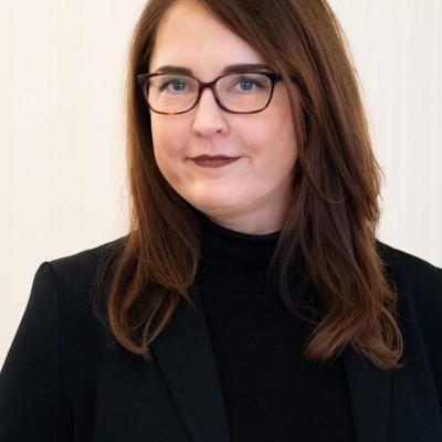Agnes Skupinski-Schwarz bietet Paarberatung, Paartherapie und hilft bei der Bewältigung von Partnerschaftskonflikten sowie beim Aufbau der Resilienz in der Partnerschaft. Außerdem bietet sie Seminare zum Thema Stressmanagement im Alltag an.